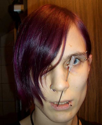 emo_girl_cuts_herself_picture-125