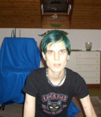 emo_girl_cuts_herself_picture-59