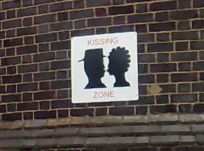 Kissing Zone